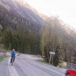 Petter på cykel upp till Argentiere